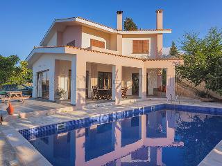 4 Bedroom Villa Katerina in Drousha Village