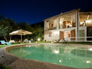 Private villa, close to Camaiore and Forte dei Mar
