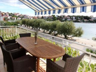 New luxury beach apartment 3 bedrooms, 3 bathrooms, Trogir