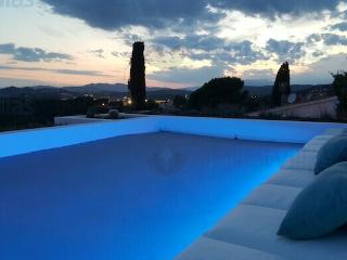 Villa Infinity - private pool and stunning views!