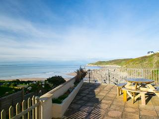 Breakers stunning sea views minutes from the beach