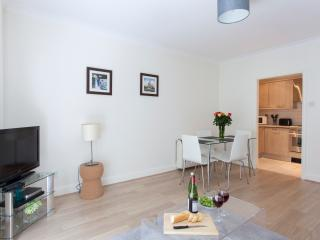 Luxurious Monument Street 1 Bedroom Apartment, Londres