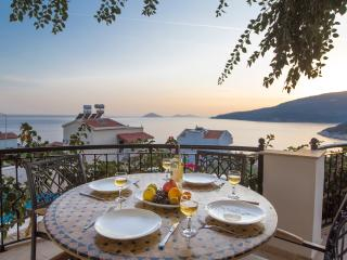 Lovely 2 Bed, 2 Bath Apartment with Great Seaviews, Kalkan