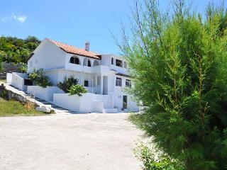 Kostas Beach Apartments, Agios Gordios