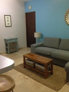 Living Room - Photo 2