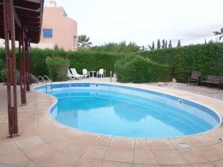 Coral Bay -2 Bed Villa - Pool -5Mins walk to Beach, Paphos