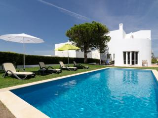 Rental holiday villa in Olhos de Agua / Albufeira