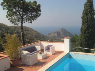 01 villa with pool 4 bedrooms, Cefalu