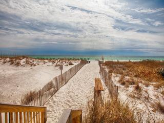 Pelican Beach Resort 1415, Destin