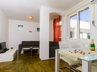 MH0016 Two bedroom apartment Sunny Central, Zadar