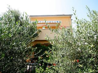 MH0031 Apartments Antonio / Two bedroom apartment A2, Kozino