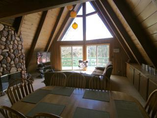 Cedarwood Lodge Includes Lake Passes!, Lake Arrowhead