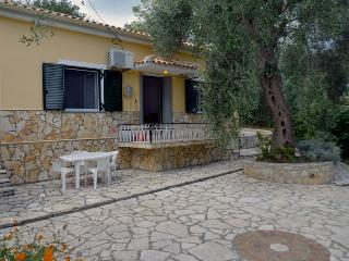 Santos Holiday Rental Apartments in Corfu, Dassia