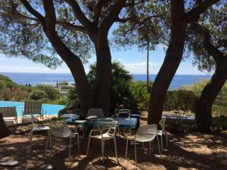 Villa dans les pins Ste-Maxime vue mer 180 degrés, Sainte-Maxime