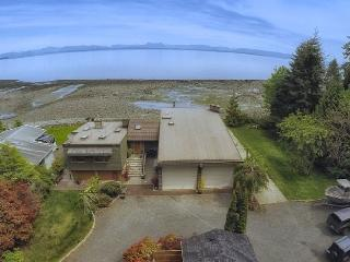 Oceanside, Private Stand Alone Cottage, Campbell River