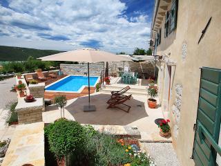TH00655 Villa Gelci, Rebici