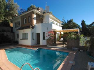 Villa Molokai, 4 beds, 3 bathrooms, private pool, Fuengirola