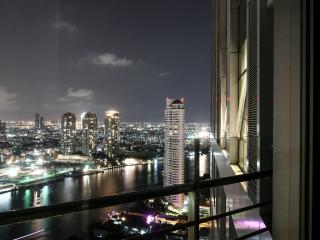 TheRiverSideBangkok 2BR by river, sky living