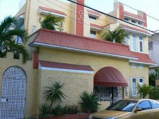 Private Studio apartment in Art Deco Villa, San Juan