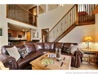 Gorgeous 3 Bedroom Condo with Views at Canyons, Park City