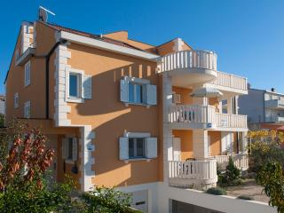 TH01615 Apartments Marelja / Studio A8, Rogoznica