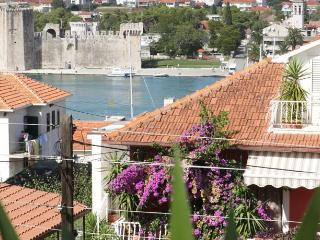TH01834 Apartments Kudelik / Two bedrooms A1 LILA, Trogir