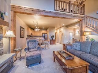 Beautiful 3 Bedroom 2.5 bath Lakota Town home sleeps 8., Winter Park