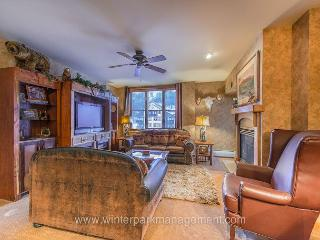 3 BD/ 3 BA Ski in Ski out Riverside building at Zephyr Mountain Lodge. VIEWS!, Winter Park