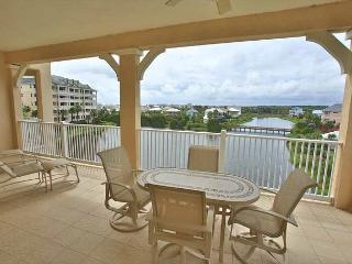 Cinnamon Beach Lake View End Unit - 1145 - Over 2100 sf on the Water !, Palm Coast