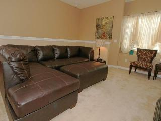 Fantastic Family Condo - Close to Disney!, Celebration