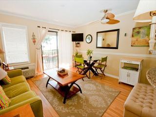 Ocean Dunes Villa 215 - 1 Bedroom 1 Bathroom Oceanfront Flat, Hilton Head