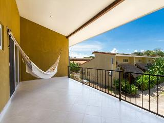 3 bedroom luxury condo just 10 mins from 10 beaches!!!, Playa Grande