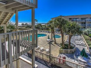 Brand New Beautiful Breakers Villa. Sleeps 4, Free Wifi, Pool, Hilton Head