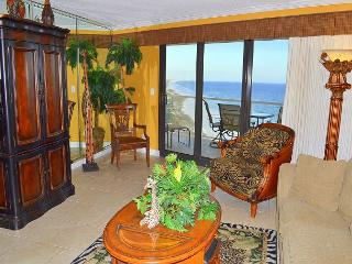 Relax in this beautiful unit with 2 Gulfront balconies and so many amenities!, Miramar Beach