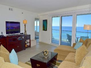 FREE activities~enjoy the beach in this beautifully upgraded, remodeled condo