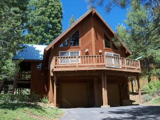Bucher's Cozy Mountain Cabin-Ski Lease-Booked