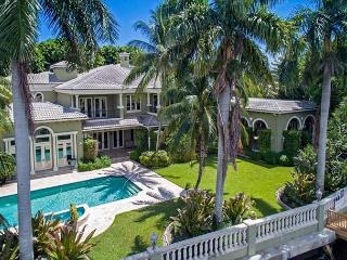 Spectacular Tuscan-Inspired Waterfront Boca Mansion, Boca Ratón
