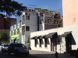 Nyc's First Shipping Container Home, Brooklyn