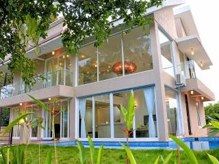 SeaHorse - 4 Bed Private Pool Villa in Baga