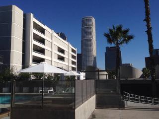 FLAT 2, Los Angeles