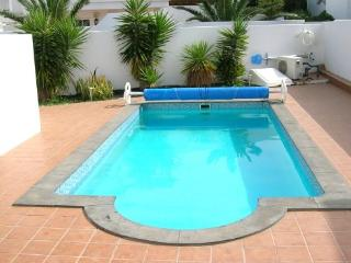 Spacious Family Villa with Large Heated Pool, Puerto Del Carmen