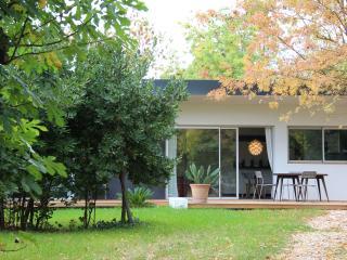 Belle villa dans un grand jardin calme