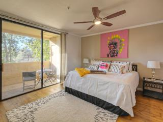 Beautiful 3 bedroom condo near Old Town Scottsdale