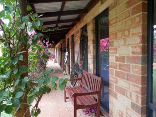 Woollybush Bed & Breakfast - (Tariff is per room), Guilderton