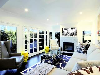 Luxurious Casa in Los Angeles, Sleeps 10 ~ RA49050, West Hollywood