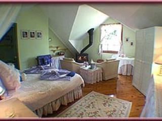 Trellises Guesthouse The Lilac Room, holiday rental in Kurrajong