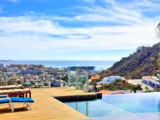 Pedregal Luxury Apartment, 3 Bedrooms, Marina View