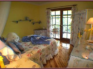Trellises Guesthouse The Gay Room