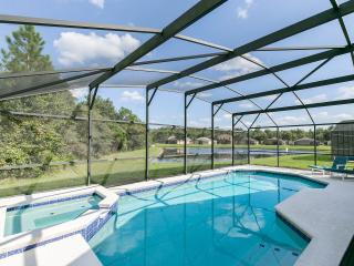 Beautiful and Spacious Orlando Vacation Pool Home, Davenport