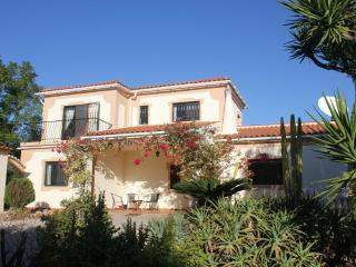 Family Holiday Villa with private pool & free WiFi, Silves